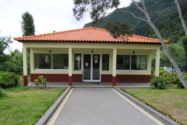 bibliotecaCC5D4F24-0B2F-32A1-99A5-F82110ED4507.jpg